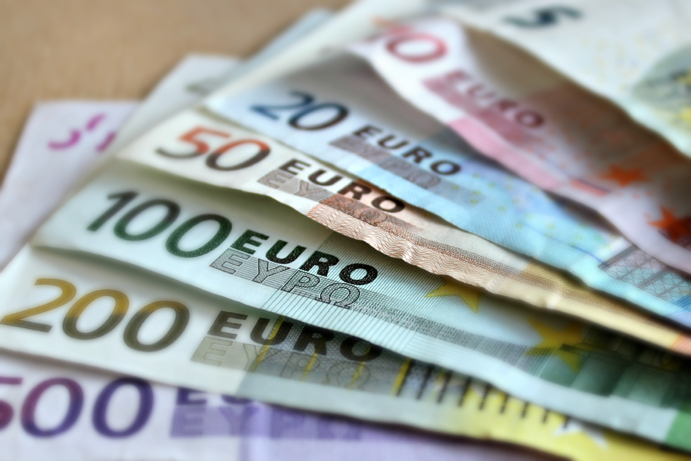 Finlândia experimenta esquema de Renda Básica Universal